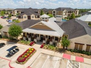 Apartments For Rent in Katy, TX - Aerial View of Leasing Office, Clubhouse and Community (2)